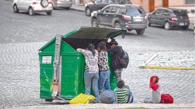 Asisten a 200 chicos y 60 embarazadas con desnutrición en barrios de Rosario