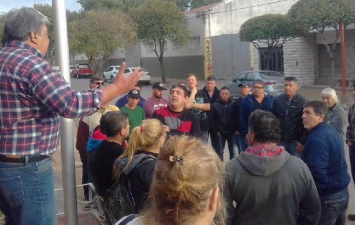 Vuelven a parar por sueldos atrasados en la comuna de Chabás