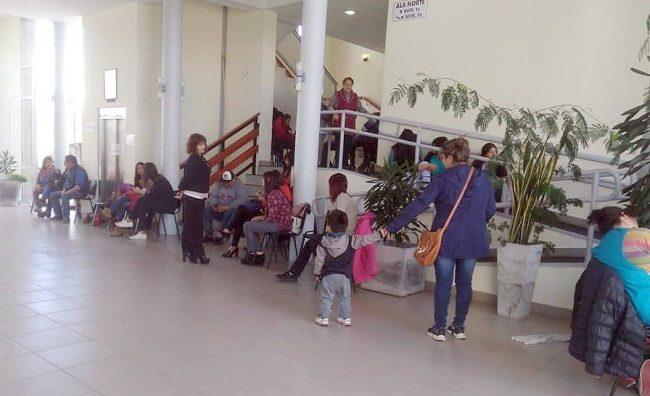 Trabajadores municipales de Trevelin realizaron retención de servicio por demanda de aumento salarial
