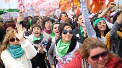Alojamiento, visitas guiadas y comercios abiertos: Así se prepara La Plata para recibir al 34° Encuentro Nacional de Mujeres