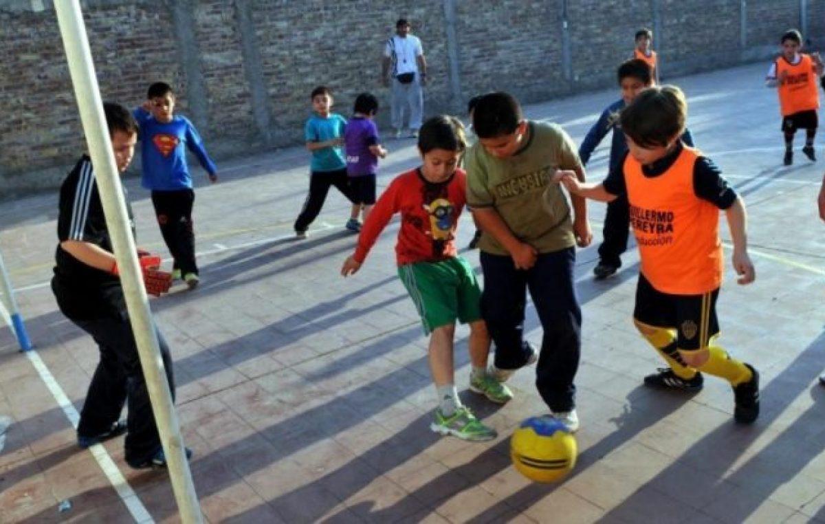 Clubes de Barrio: A pesar de los tarifazos y de no recibir subsidios, un millón de personas buscan refugio en ellos