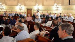 Santa Fe: Municipios y comunas reclaman consenso para destrabar fondos