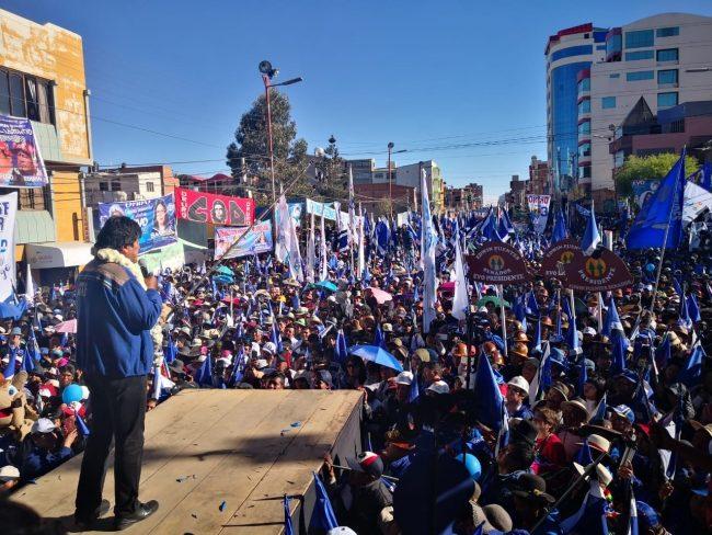 Multitudinaria convocatoria en Oruro en cierre de campaña Morales-García Linera