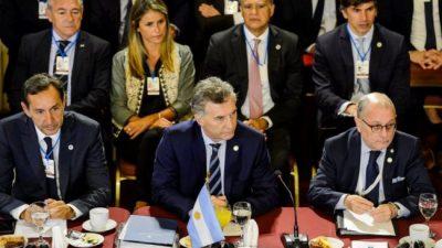 El Gobierno no repudiará «por el momento» los ataques de Bolsonaro a Alberto Fernández
