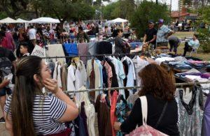Córdoba: Por la crisis la feria del parque Las Heras llegó a los 5 mil puestos, y ya no quedan lugares