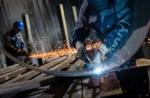 La industria metalúrgica perdió 25 mil empleos