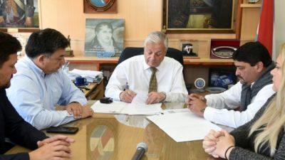 El Municipio de Concepción y los gremios acordaron pases a planta y un nuevo aumento