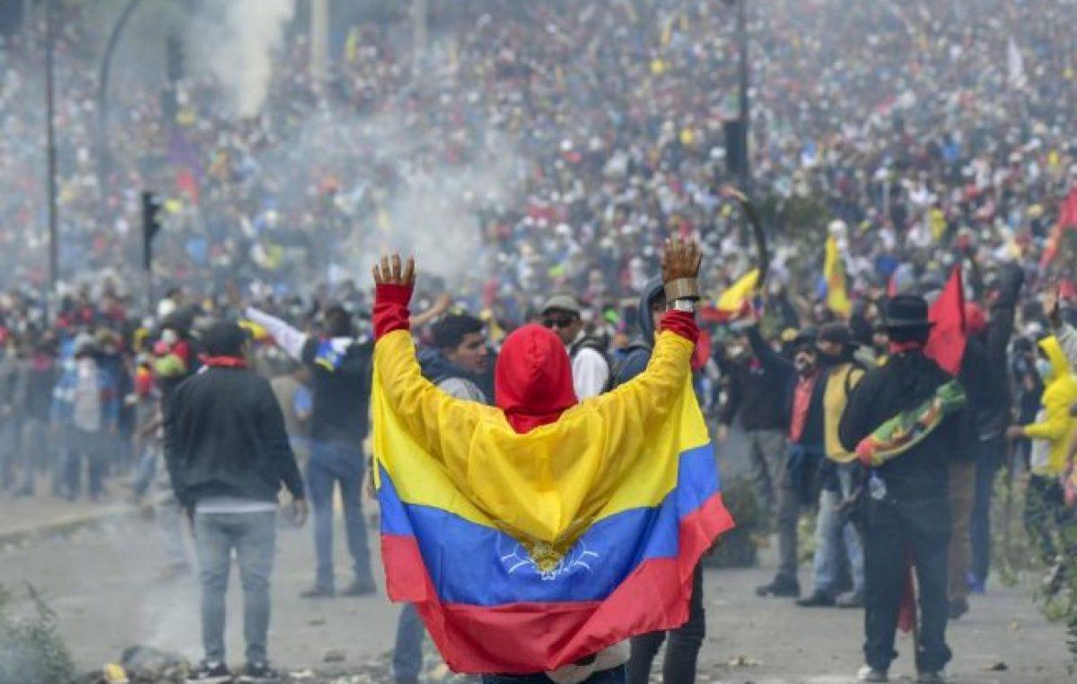 Masiva marcha y paro en Quito contra el ajuste