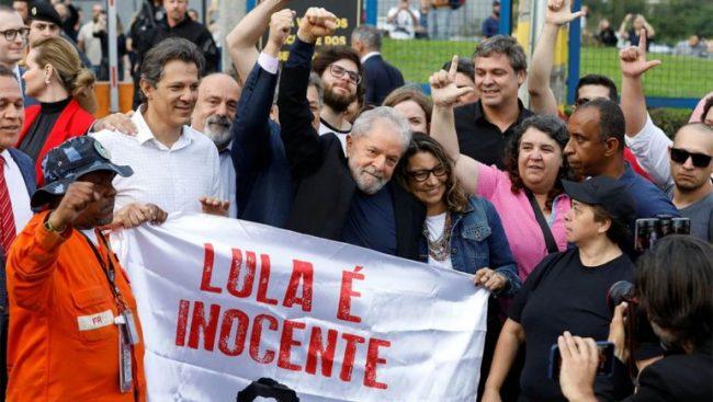 Intendentes peronistas celebran la libertad de Lula mientras se habla del 17 de Octubre brasileño