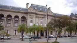 La provincia de Santa Fe sale a dar auxilio financiero a municipios y comunas