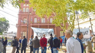 Los municipales rosarinos hacen huelga hoy y esta noche no habrá Colectividades