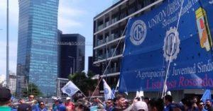 Tensión en un centro atómico de la empresa Pérez Companc por inminentes despidos y posible toma de las instalaciones