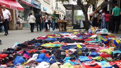 Por la crisis económica se ampliará el cupo de vendedores ambulantes en Rosario