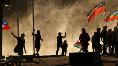 Súper represión para el Súper lunes en Chile