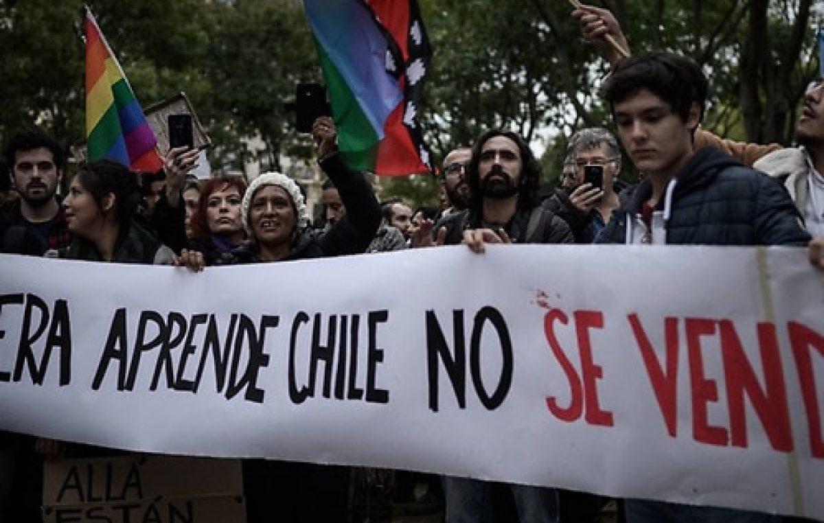 Para la calle, la agenda de Piñera es cosmética