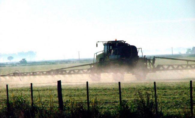 Cuarenta municipios cordobeses aplicarán un manual de uso de agroquímicos