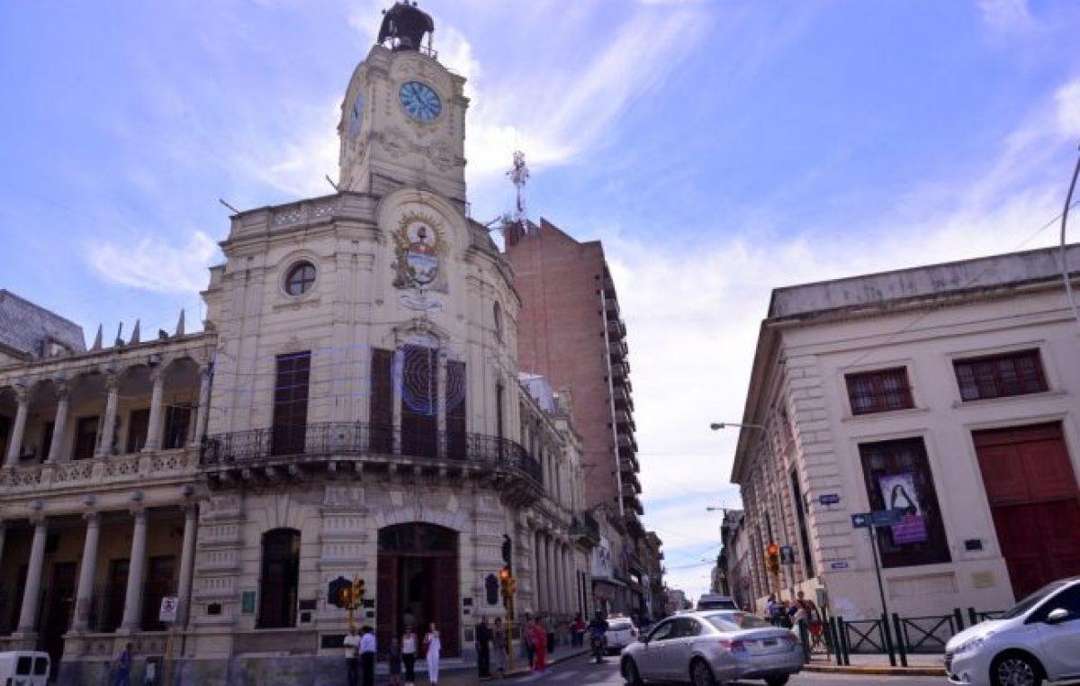 Dieron de baja a 400 contratados en Paraná y los municipales comenzaron un plan de lucha