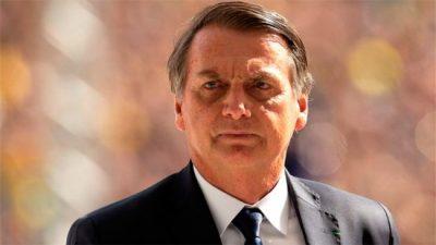Bolsonaro permitirá que los estados y municipios bajen salarios
