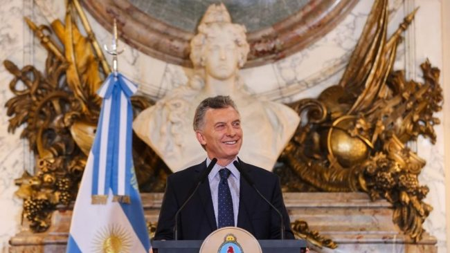 """Según Macri, su gobierno le """"mejoró la vida a los jubilados"""" y se endeudó para pagar la herencia K"""