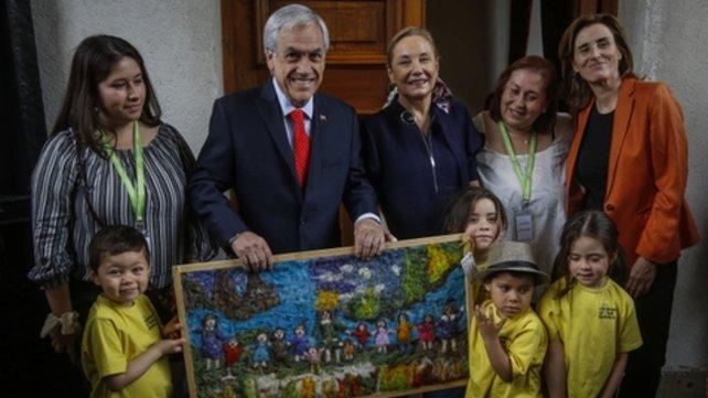 Piñera abre la billetera con un bono por única vez para los más pobres