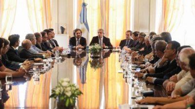 «Compromiso argentino por el desarrollo y la solidaridad»: qué dice el acuerdo entre el Gobierno, empresarios y sindicalistas