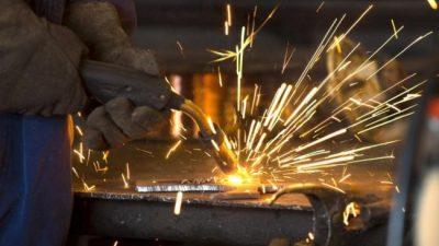 La producción metalúrgica cayó 7,1 % y el empleo en el sector se redujo 1,8 %