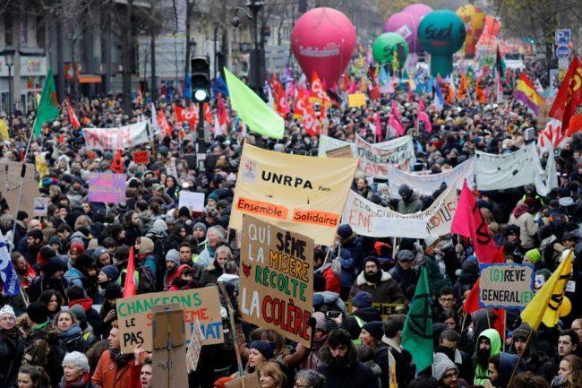 Francia paró en contra de la reforma jubilatoria