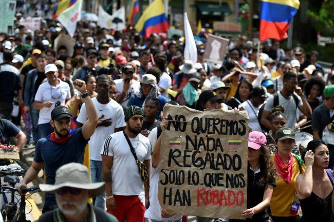 Paro y marchas masivas en todo Colombia