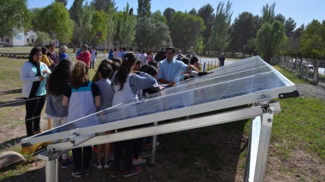 Centenario tiene la primera escuela urbana con paneles solares