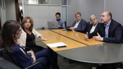 El gobernador de Santa Fe congeló los salarios de los ministros y funcionarios provinciales por 180 días