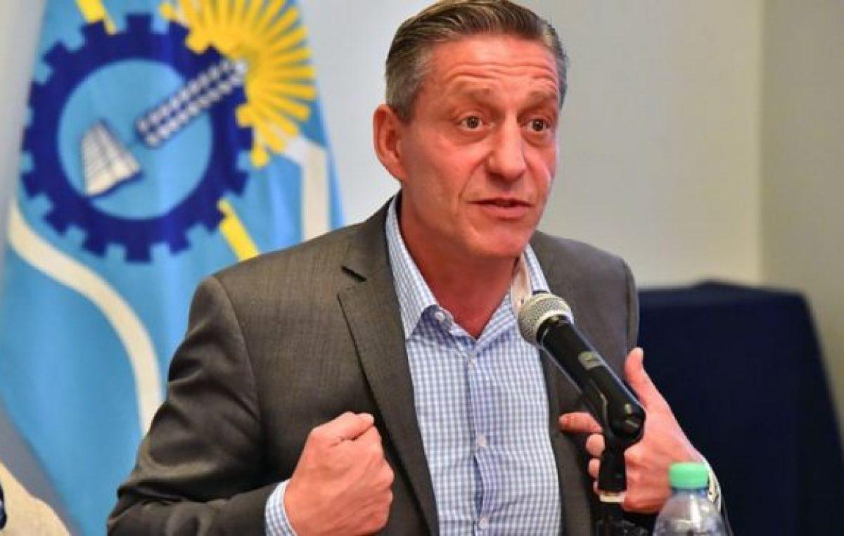 El gobernador de Chubut les recortará regalías hídricas a algunos municipios