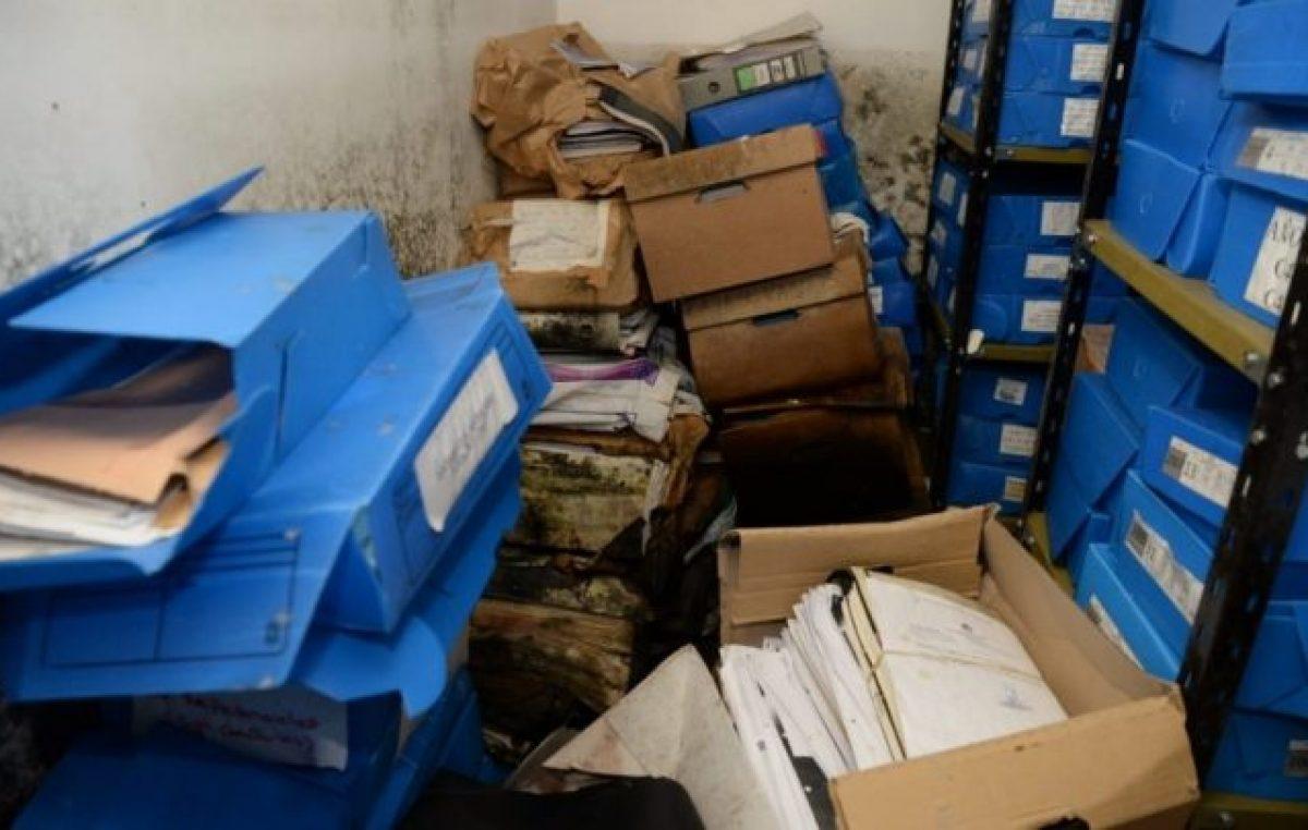"""El Gobierno denuncia la """"desidia macrista"""" tras encontrar bajo el agua parte del archivo de Derechos Humanos"""