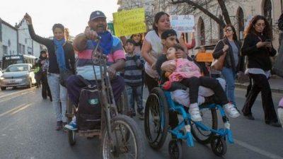 Millonaria deuda de Macri podría paralizar prestaciones vitales para discapacitados