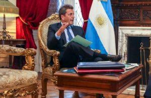 Massa: «Hay funcionarios del gobierno anterior que se quedan como okupas»