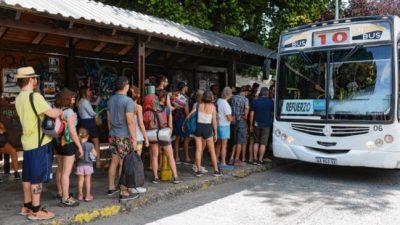 El colapso del transporte en Bariloche no tiene solución