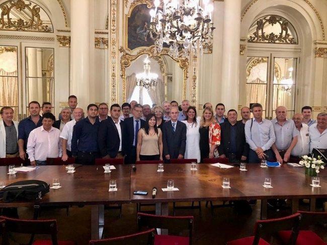 Una reunión con intendentes