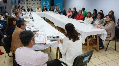 Evaluaron la acción social en cada municipio santacruceño: Quieren reforzar seguridad alimentaria y las líneas de niñez