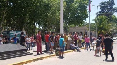 Los municipales de San Vicente protestan por los 100 cesanteados: creen que hay nuevos contratados