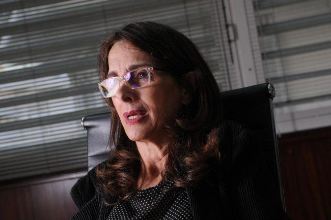 """María Eugenia Bielsa: """"Antes de marzo vamos a entregar miles de viviendas"""""""
