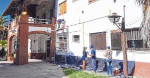 Santa Fe: La provincia pone a punto escuelas con beneficiarios de planes sociales