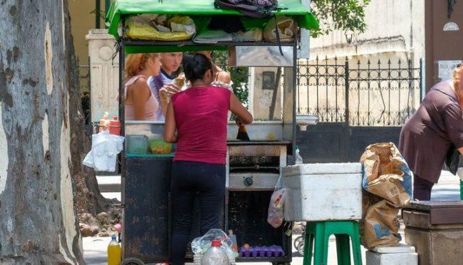 Salta: Por la crisis, hay menos asalariados y más changarines o emprendedores