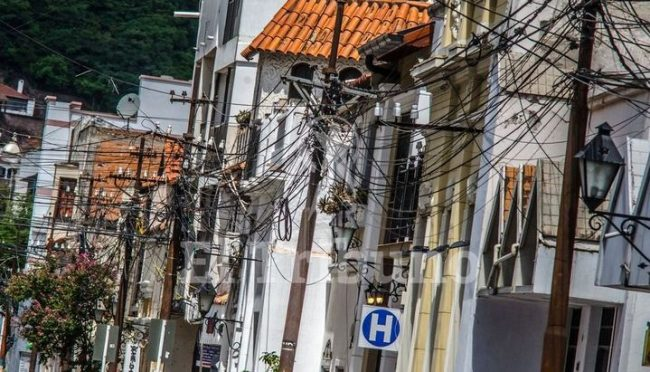 Salta: Retirarán cables en desuso y proyectan el soterramiento