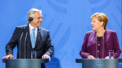 """Junto a Alberto Fernández, Merkel celebró «los encuentros con el Fondo Monetario Internacional"""""""