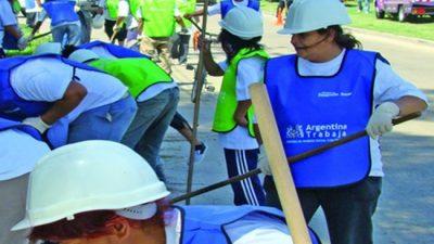 Cambio en planes sociales: trabajo y salarios mínimo