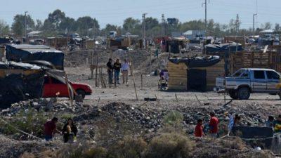 Tomas en Neuquén: avanza el relevamiento para buscarle una salida al conflicto