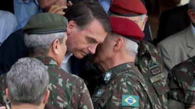 Bolsonaro refuerza el perfil militar de su gobierno