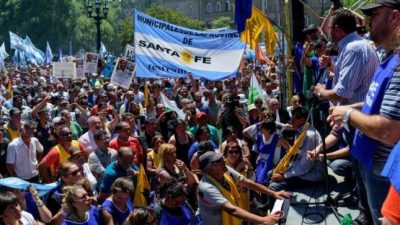 Municipales santafesinos convocan a delegados para discutir paritarias