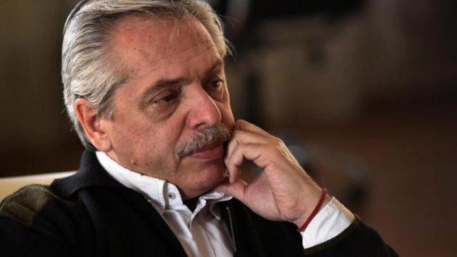 """Fernández afirmó que """"no sobra nadie en Argentina"""" y reivindicó a los trabajadores"""