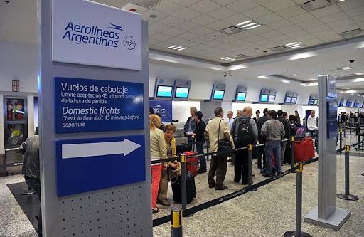 Aerolíneas Argentinas perdió más de 9,5 millones de dólares por un canje de millas con el Banco Galicia