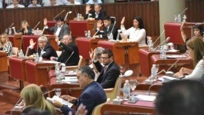 El Gobierno de Chubut insiste con el aumento salarial para la planta política